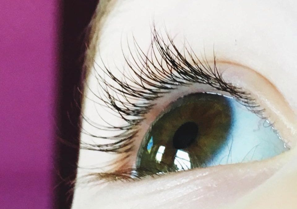 Why you MUST wish on a fallen eyelash
