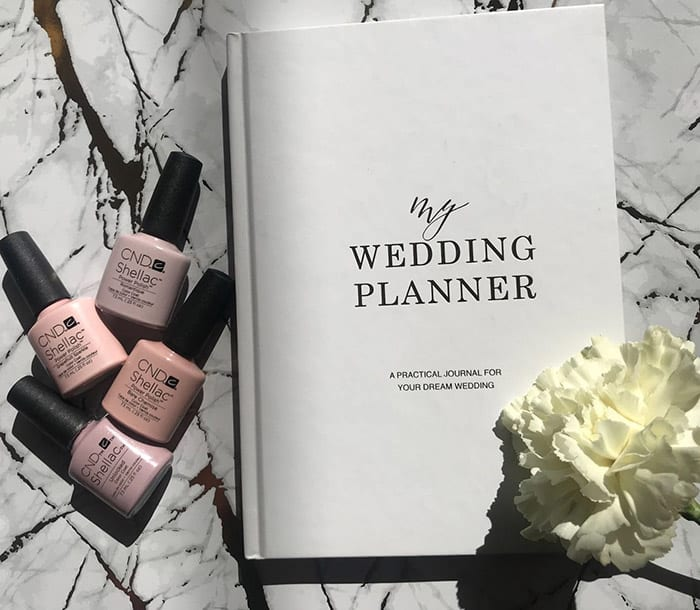 5 makeup essentials you need on your wedding day