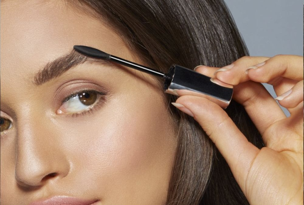 Brow Style: The Perfect Arch vs Straight Boy Brow